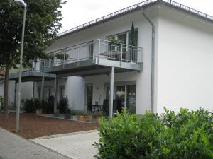 MFH hat 4 Wohnungen