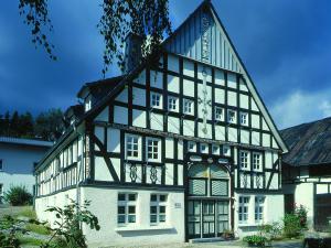 Sanierung eines denkmalgeschützten Hauses als Bürohaus